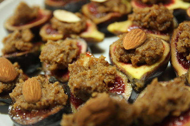 Baked Black Figs Ratafia Gluten-free organic appetiser recipe