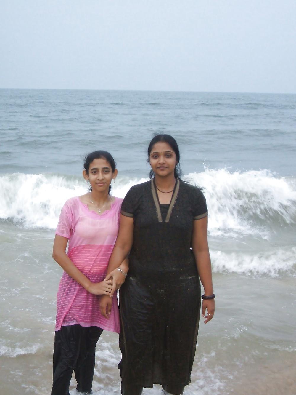 Wet  Bikini Teens - 6  Sri Lankan  Desi Indian Girls-9672