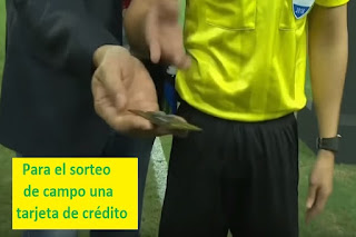 arbitros-futbol-tarjeta-credito