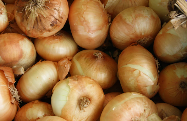 What are the benefits of onions for the body - for hair - for the skin - for the heart