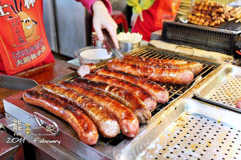 捷運劍潭站士林夜市美食小吃|生炒花枝-士林大香腸-大餅包小餅-豪大大雞排必吃