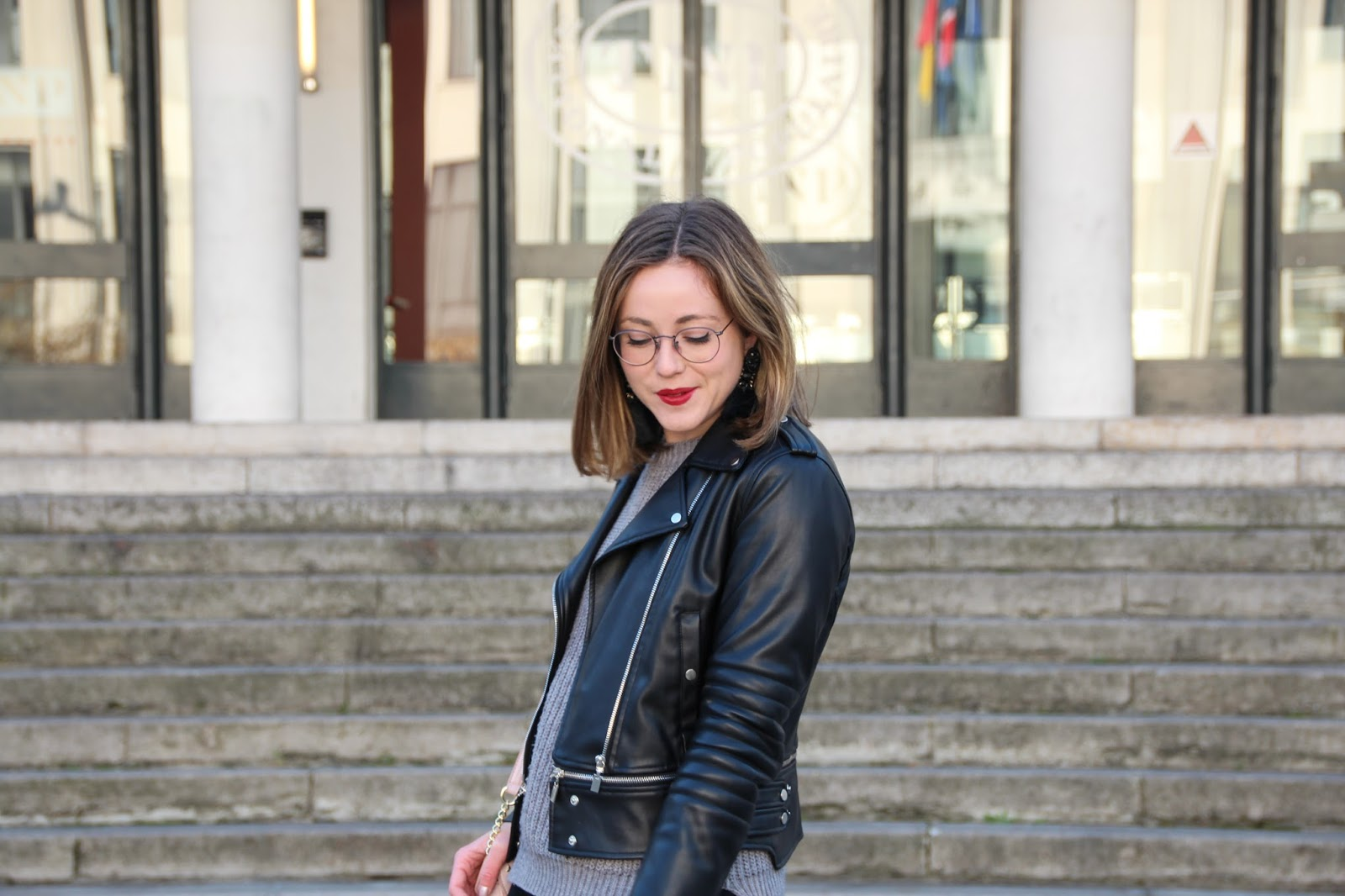 look black skirt blogueuse lyonnaise