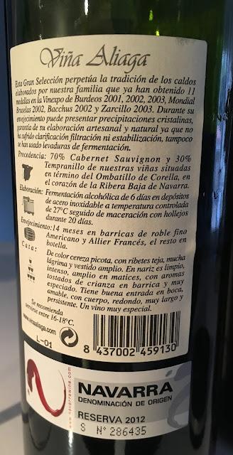 Detalle de la contraetiqueta de viña Aliaga 2012 gran selección.