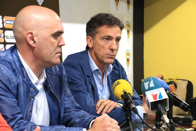 El presidente del Barakaldo CF junto al nuevo entrenador