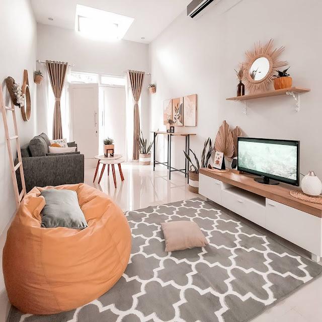 Ruang Tamu Sederhana dengan Ruang Keluarga Tanpa Sekat