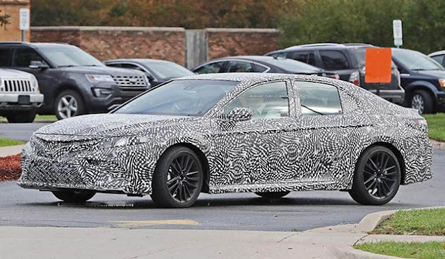 2019 Toyota Camry spy photos Photo Gallery