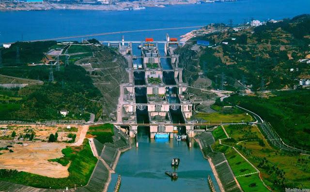 Hệ thống khóa nước 5 cấp nâng tầu vượt đập Tam Hiệp