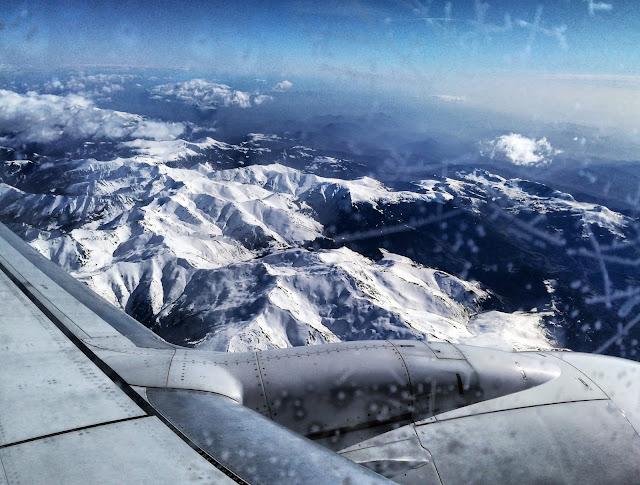 Widok z samolotu na Pireneje