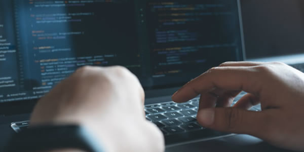 Programação: por que é importante aprender Java, Python e JavaScript?