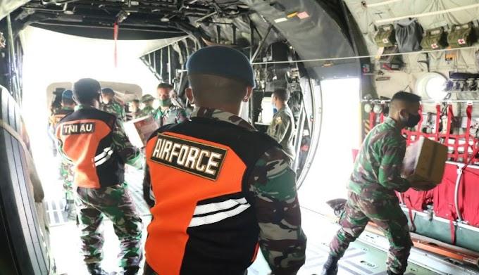 Pesawat C-130 Hercules TNI-AU, Angkut Bansos dari Lanud Haluoleo Kendari
