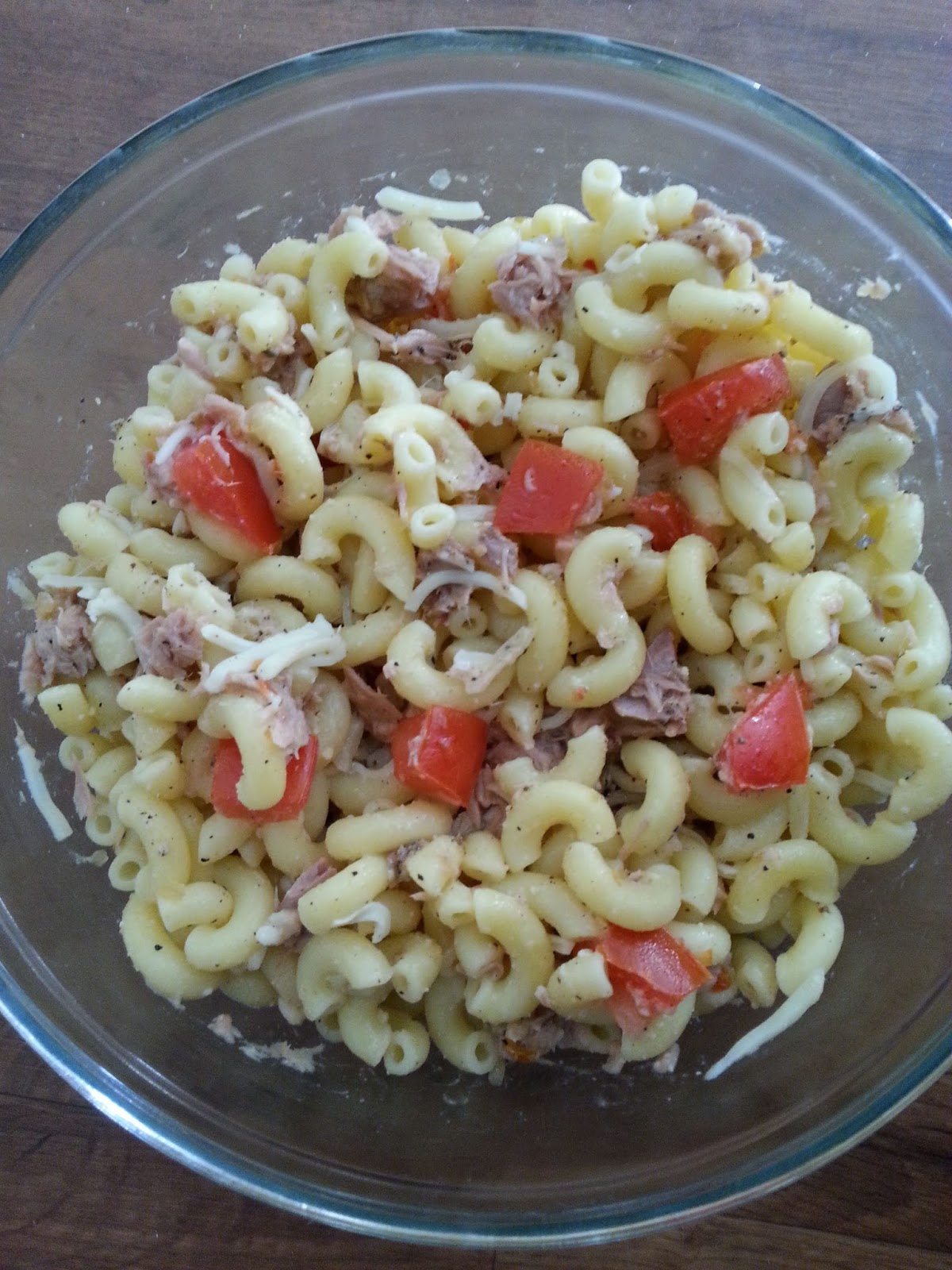 Christine 39 s pantry tuna salad with italian dressing for Macaroni salad with tuna fish