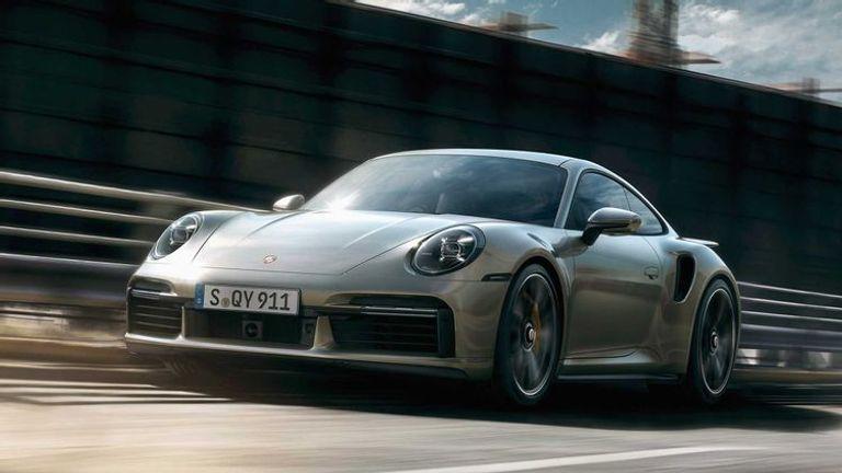 طراز Porsche 911 Turbo S موديل عام 2021