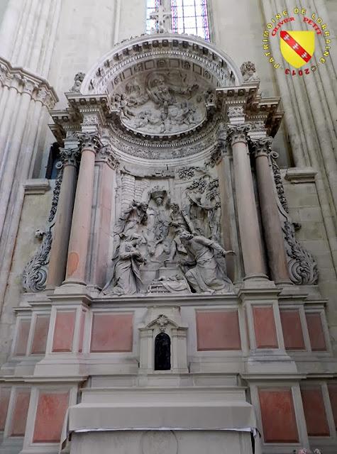 TOUL (54) - Retable de l'autel de l'église des Carmélites de Pont-à-Mousson