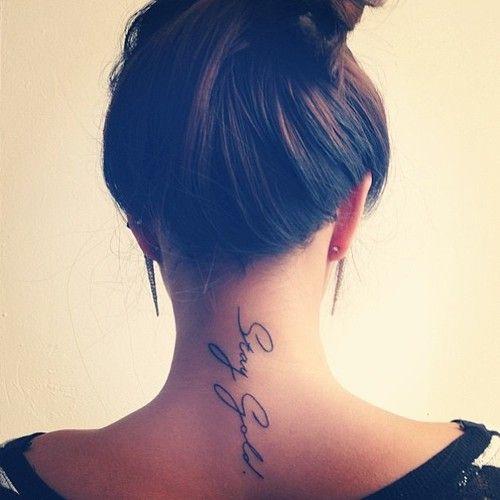Script pescoço desenho de tatuagem para as mulheres