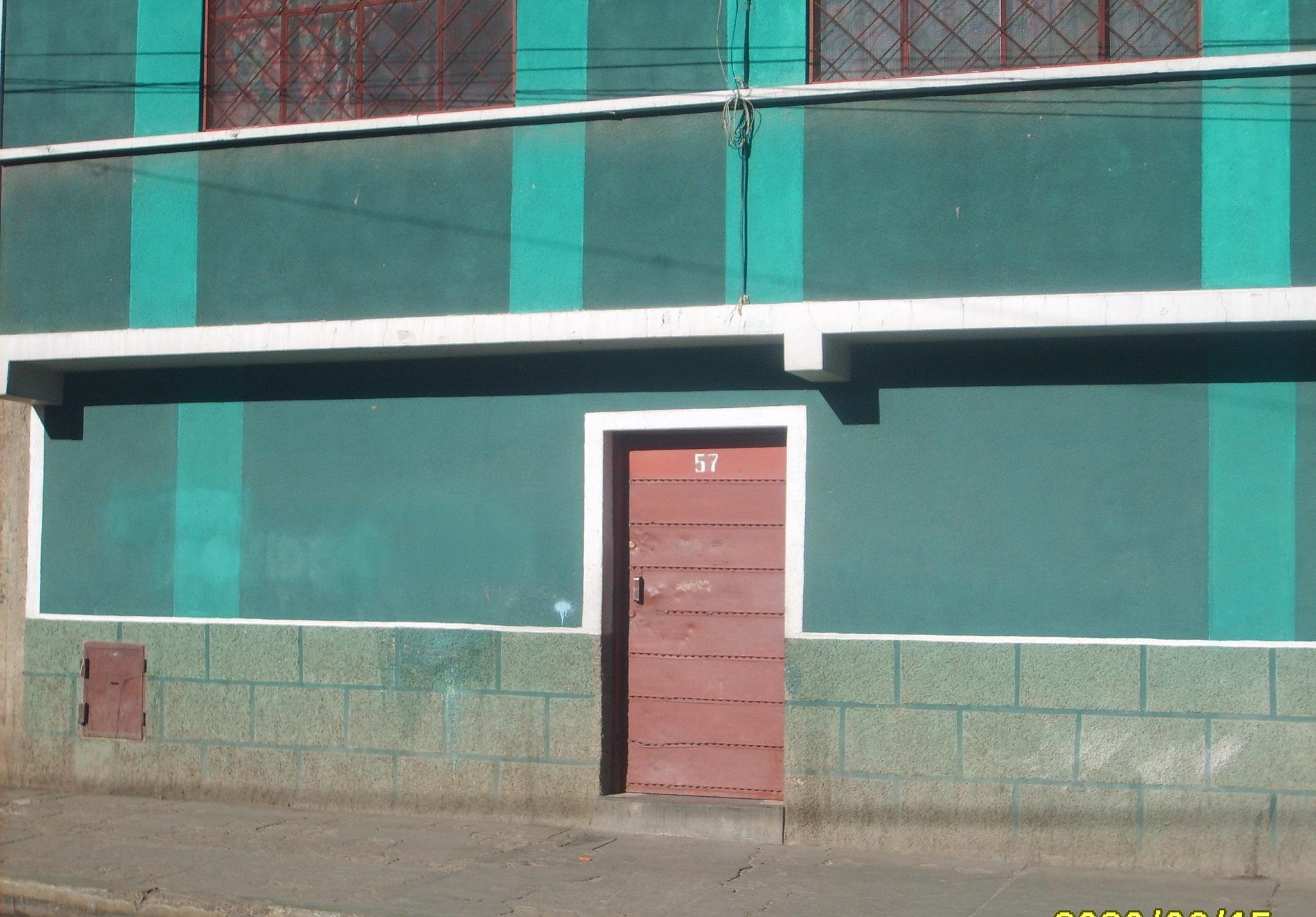 El comercio sexual de la zona 12 de Octubre se cerró y trasladó a los alojamientos de esa urbe / MEDRANO