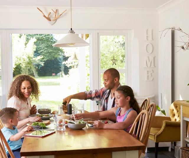 Inilah Beberapa Keuntungan Makan Bersama Dengan Keluarga Anda