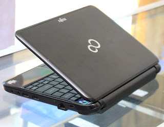Laptop Fujitsu PH521 AMD E450 Second Malang