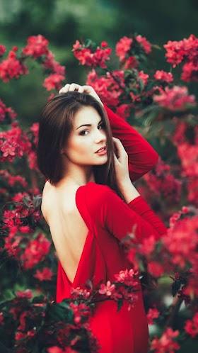 Nàng Thơ Và Hoa