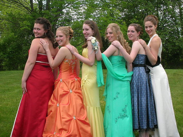 10 Tips For A Prom Party
