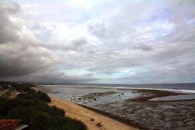View arah timur di Pantai Sayang Heulang dari gardu pandang