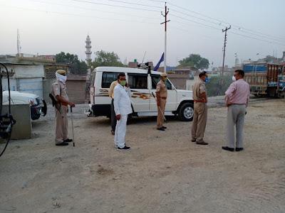 लॉकडाउन के दृष्टिगत कस्बा कालपी में भ्रमण -अपर जिलाधिकारी जालौन Visit to Kalpi town in view of lockdown - District Magistrate Jalaun      संवाददाता, Journalist Anil Prabhakar.                 www.upviral24.in