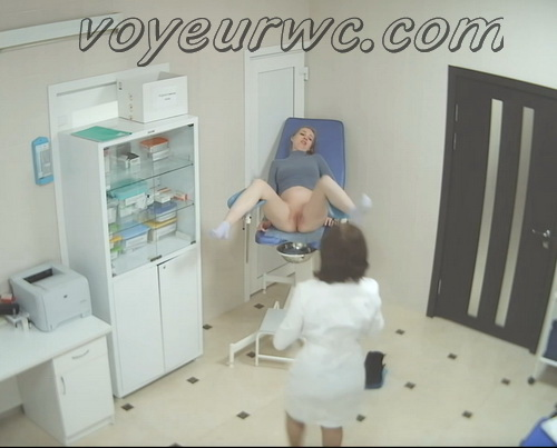 Woman secretly filmed during a Gynecological Examination (Gynecologist Examination 01-10)