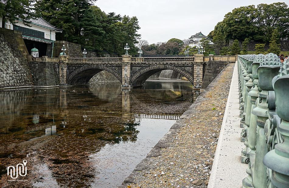 สะพานแว่นตา (Nijubashi Bridge)