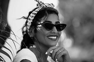 صور: جلسة تصوير مثيرة وجذابة للفنانة دينا الشربيني بالنظارة الشمسية