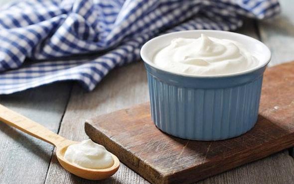 şişe-süt-ile-yoğurt-nasıl-yapılır