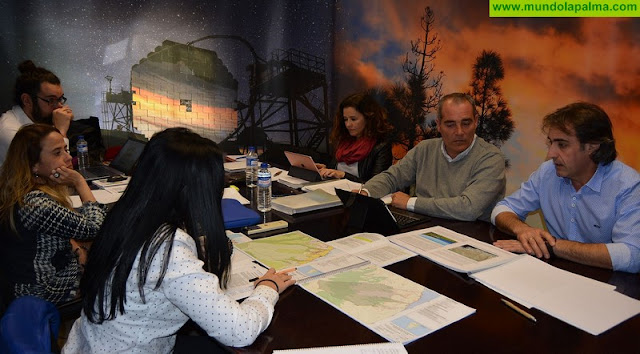 El Cabildo aborda con los ayuntamientos la repercusión en sus suelos turísticos de la revisión del Plan Insular de Ordenación