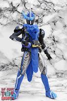 S.H. Figuarts Kamen Rider Blades Lion Senki 40