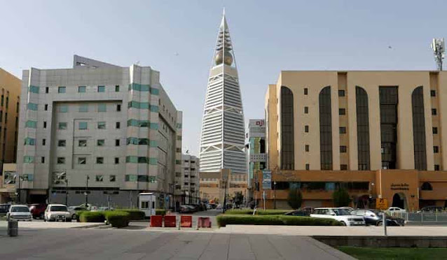 Riyadh Health arrests a Citizen and an Expat for trading forged Covid-19 test Certificates