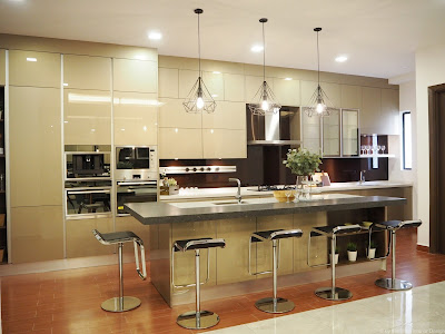 Modern Luxury Kitchen Design by Meridian Interior Design