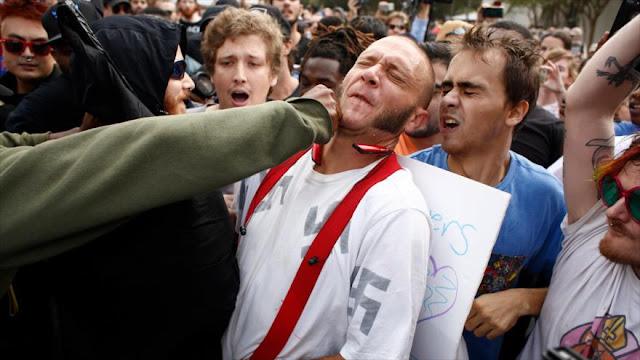 Protestan contra discurso de un supremacista blanco en Florida