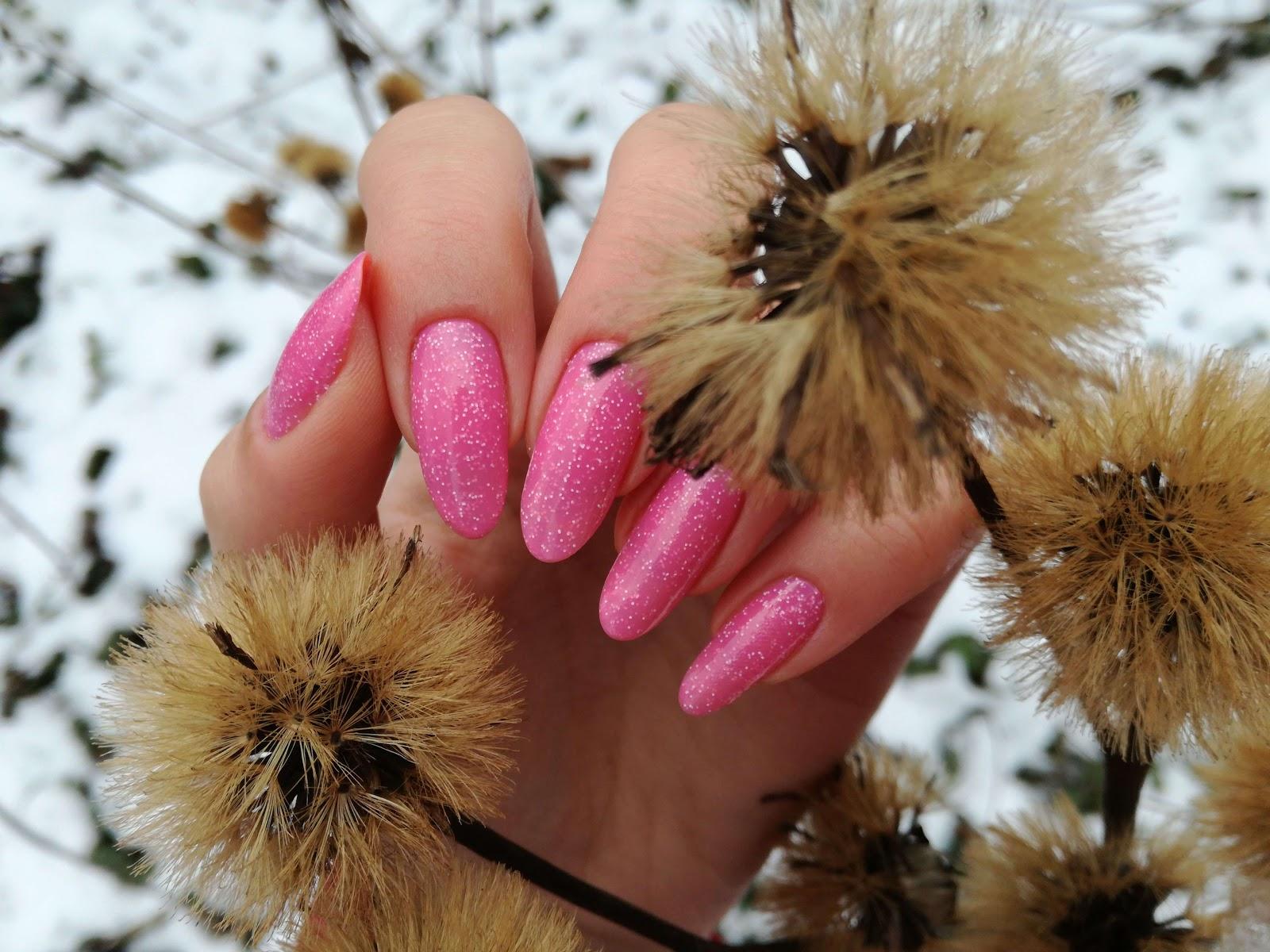 paznokcie na łonie natury