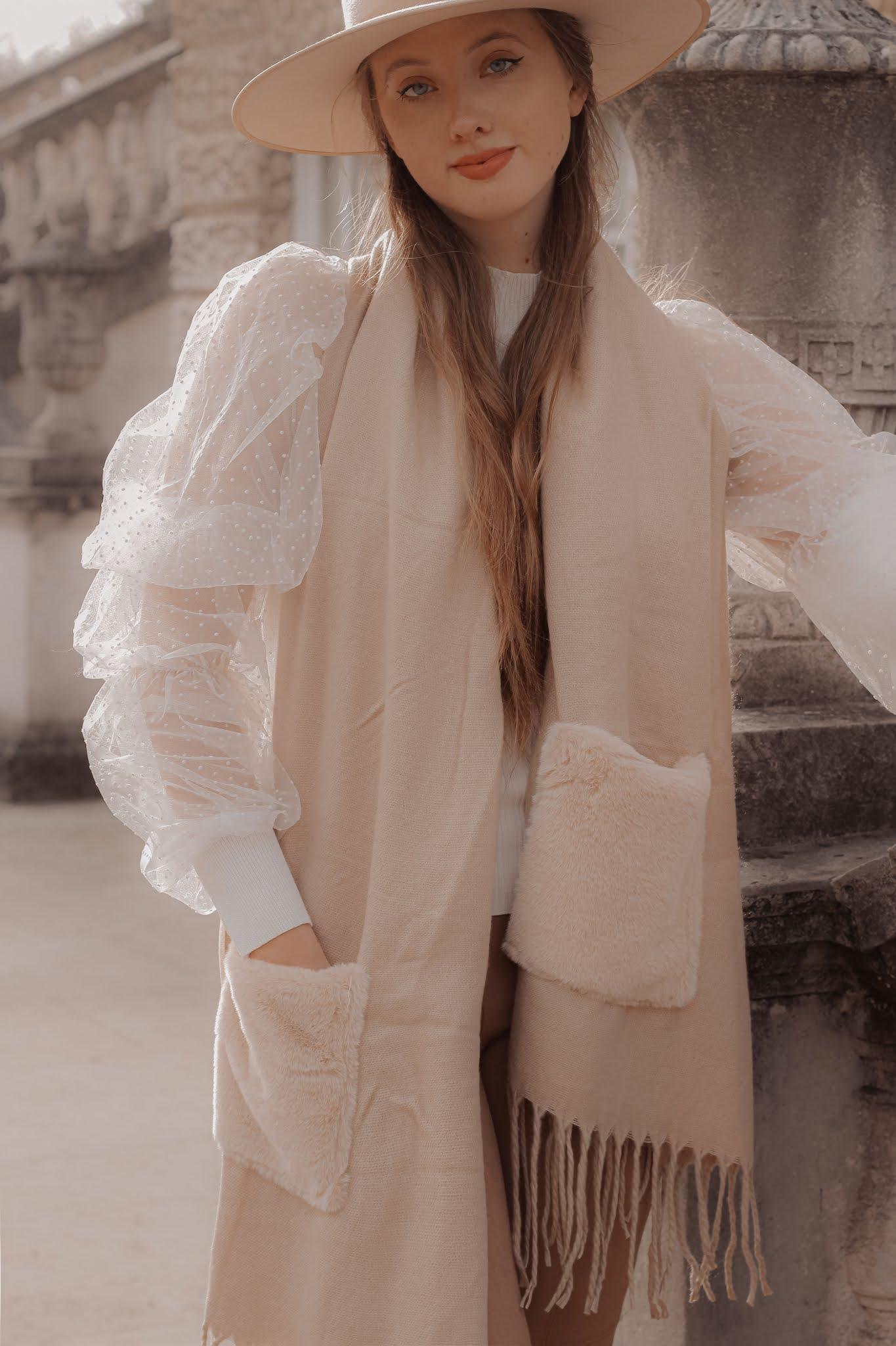 London women's luxury fashion blogger