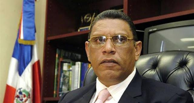 Chú Vásquez utilizaba a su esposa para ocultar dinero, dice la acusación