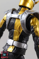 Lightning Collection Beast Morphers Gold Ranger 10