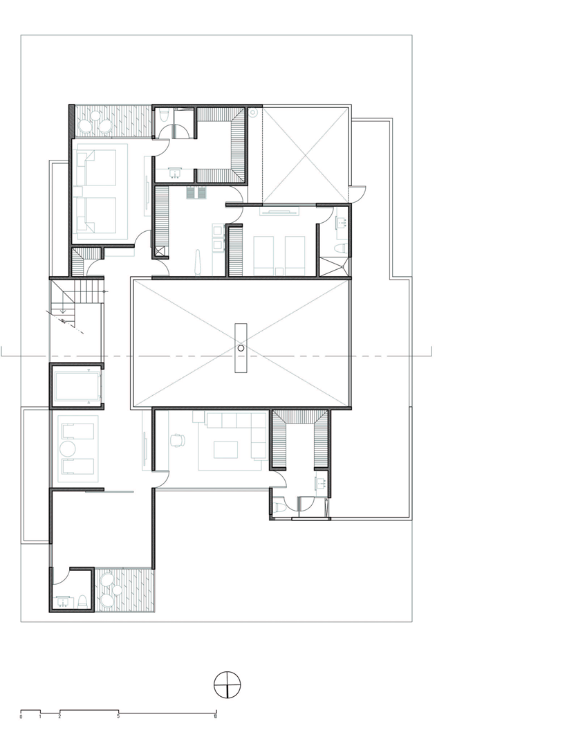 Upper floor plan of Dominant modern mansion by GLR Arquitectos
