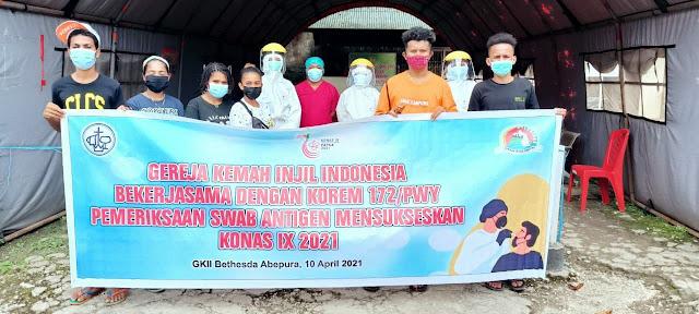 TNI Bantu 304 Swab Sukseskan Konas IX GKII di Papua