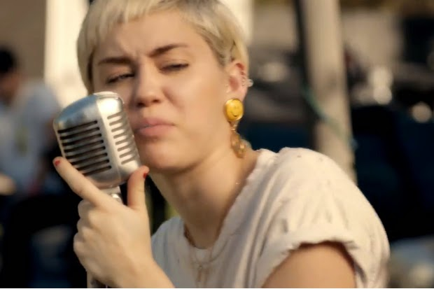 Miley Cyrus And Joan Jett Sing Different For Happy Hippie Backyard Sessions Video