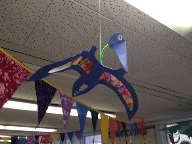 Ide membuat kerajinan berbentuk pterodactil/dinosaurus menggunakan  kertas  untuk anak-anak