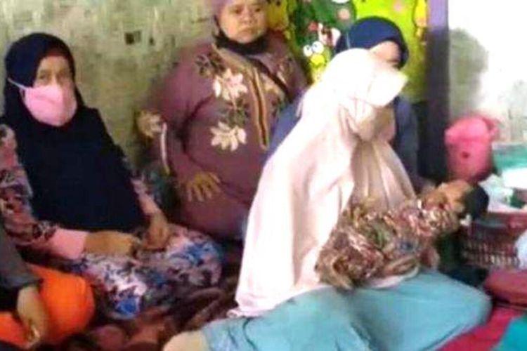 Kesaksian Keluarga Ibu Muda yang Hamil 1 Jam, Awalnya Perut Membuncit 15 Menit