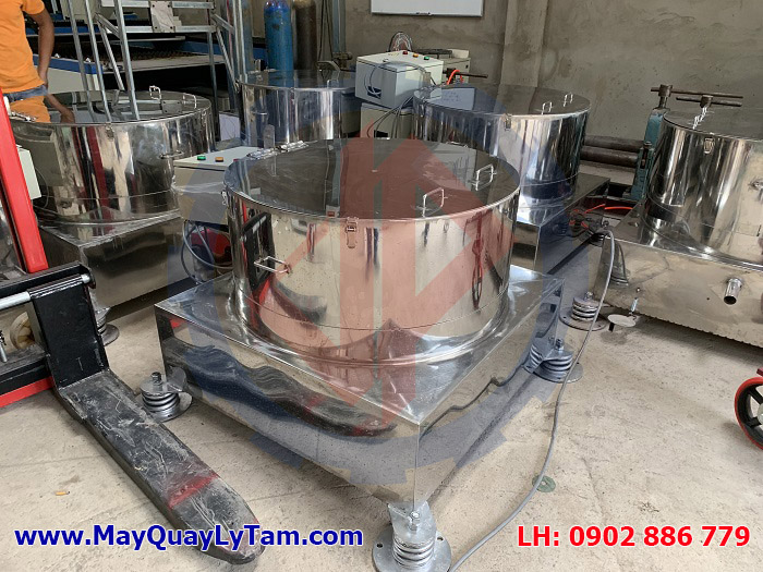 Máy vắt ly tâm có lò xo giảm rung hiệu quả nhất do Máy Móc Vĩnh Phát sản xuất