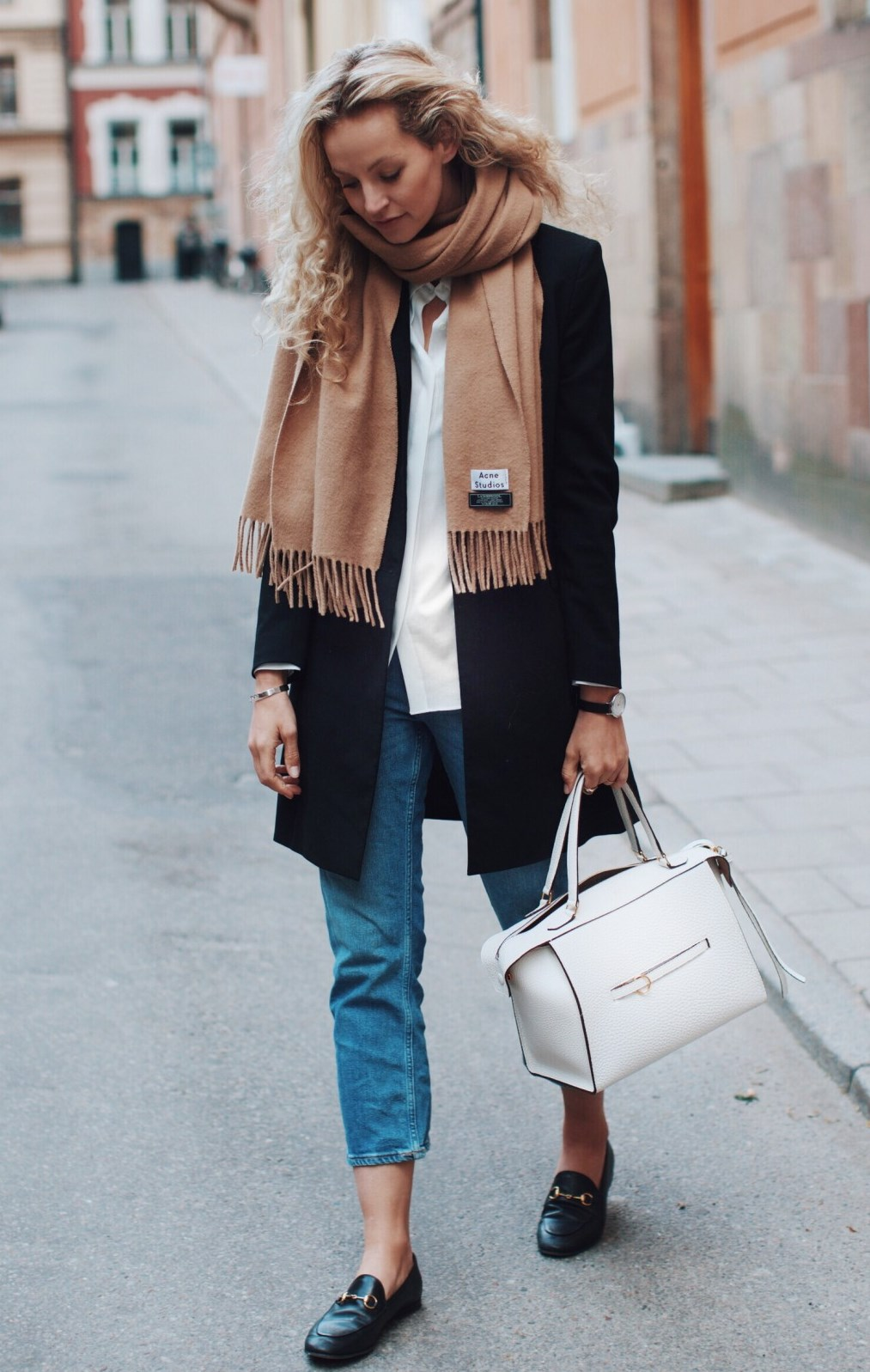 comfy fall outfit to try right now / loafers + boyfriend jeans + bag + nude scarf + blazer + white shirt