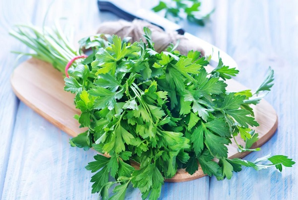 Benefits of parsley for slimming