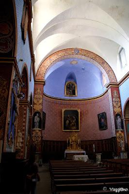Interni e decori della Chiesa di Saint Firmin