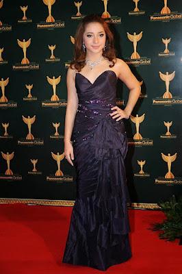 Gaun Glamour Nikita Willy tampil sangat cantik dan manis