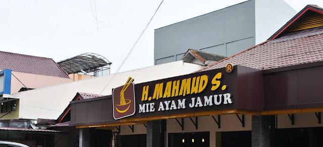 Tentang Mie Ayam Jamur Haji Mahmud, Dari Gerobak Keliling Sampai Jadi Legend Seperti Sekarang