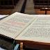 Bíblia passou por 'Photoshop' no século XVI para agradar rei inglês, segundo pesquisado